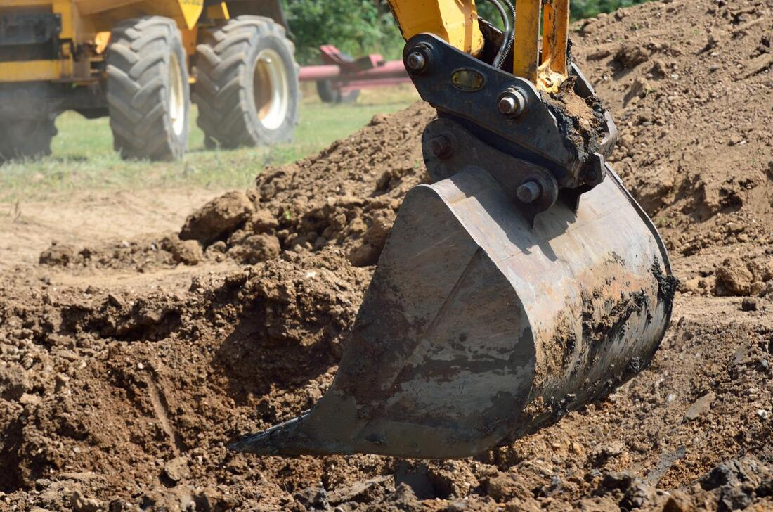 industry-grade earthmoving tools